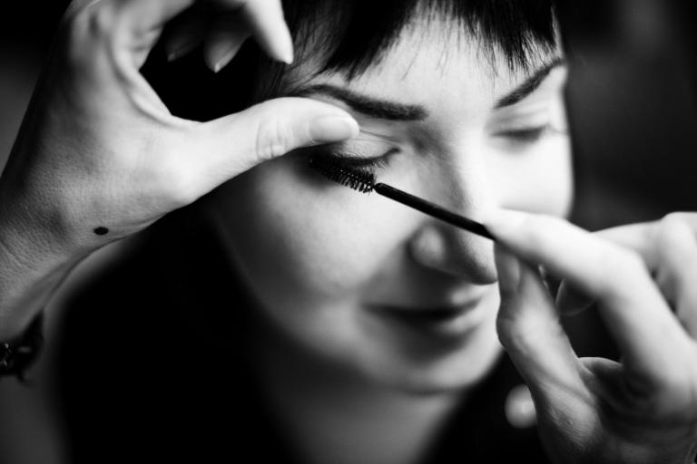 mascara application photo by jaime windon