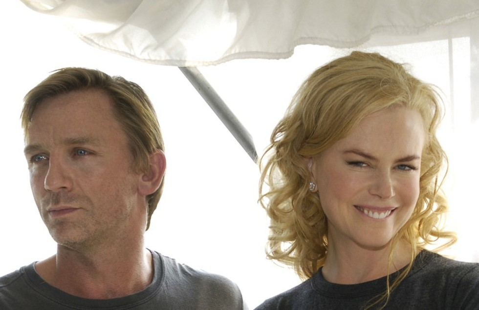 "WASHINGTON D.C. - SEPTEMBER 22: (L-R) Actors Daniel Craig, Nicole Kidman and Jeremy Northam pose for photographers during a press conference atop the Hay-Adams Hotel September 23, 2005 in Washington, DC to promote the film ""The Visiting"", which begins production in Baltimore, MD and Washington, DC on Monday September 26th.  The film is directed by Academy Award winning director Oliver Hirschbiegel and was inspired by the 1954 novel 'Invasion of the Body Snatchers.' (Photo by Chris Greenberg/Getty Images)"